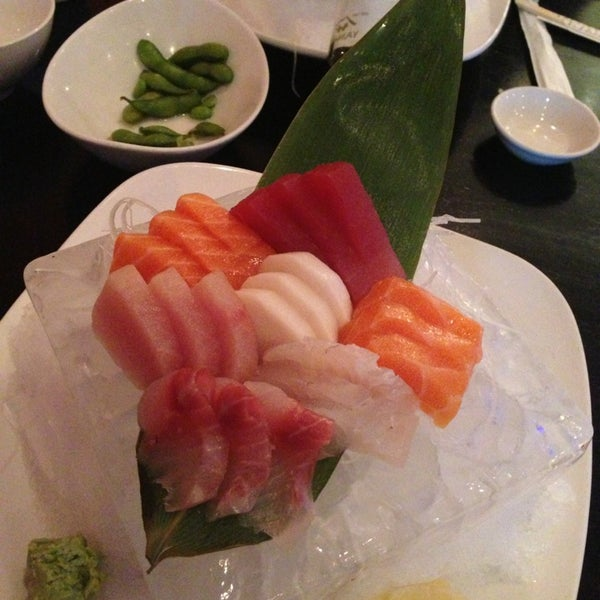 Photo taken at Masamoto Sushi & Asian Grill by Antonio F. on 6/18/2013