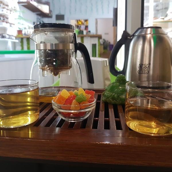 Очень классное место для любителей выпить чай. Большой выбор. Обслуживание могло быть и лучше.