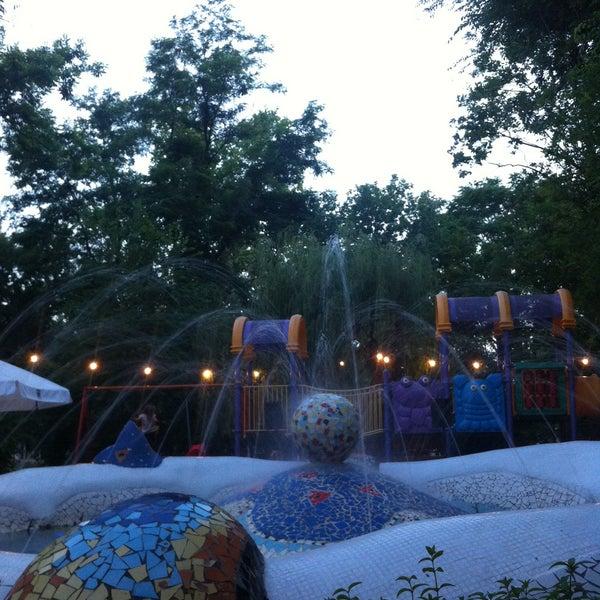 Лето, фонтан, все прекрасно