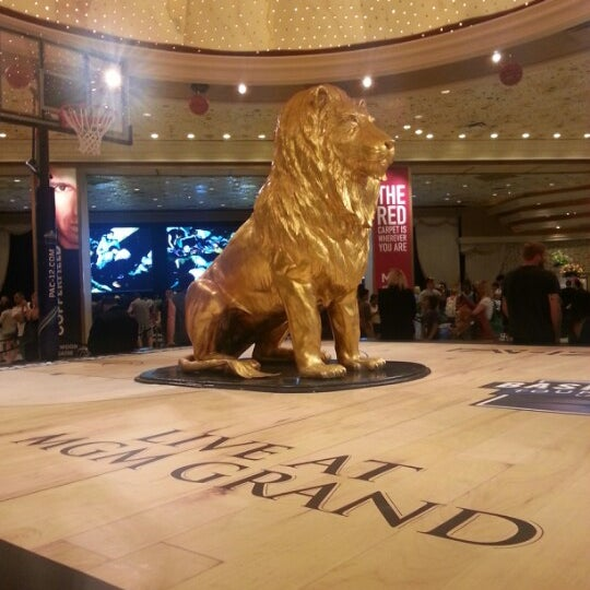 Photo taken at MGM Grand Hotel & Casino by Trinh H. on 3/30/2013