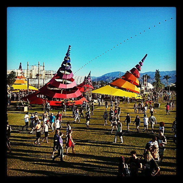 Photo taken at Coachella Valley Music and Arts Festival by Kenny T. on 4/20/2013