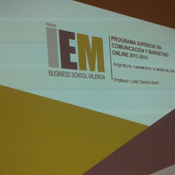 Foto tomada en IEM Business School por Loles S. el 10/19/2013