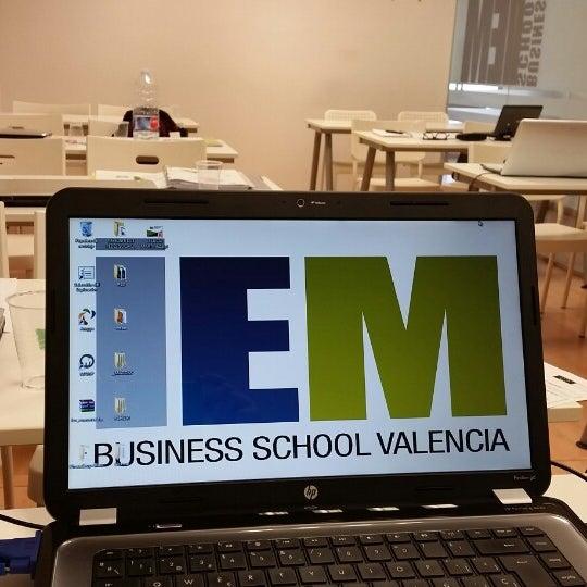 Foto tomada en IEM Business School por Loles S. el 5/15/2015