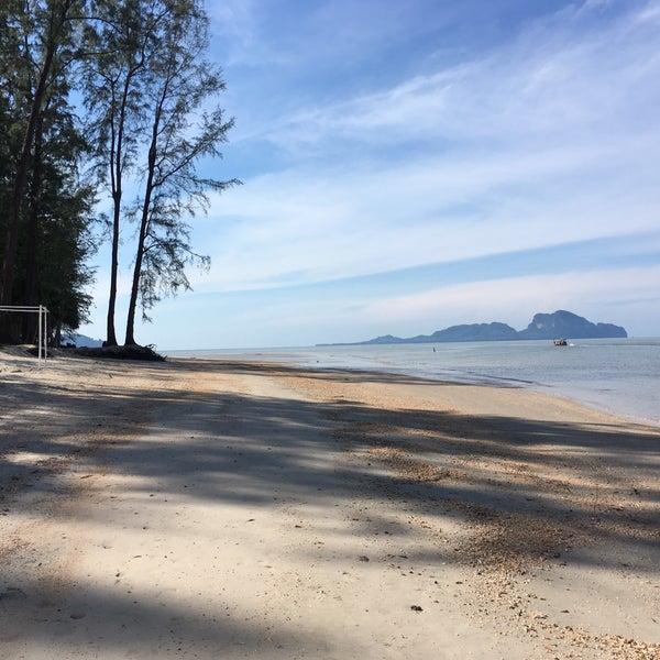 Photo taken at Anantara Si Kao Resort And Spa by PookaPui S. on 2/6/2017