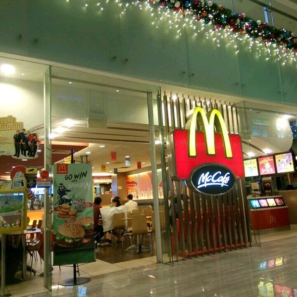 Photo taken at McDonald's / McCafé by Asaliah . on 12/12/2016