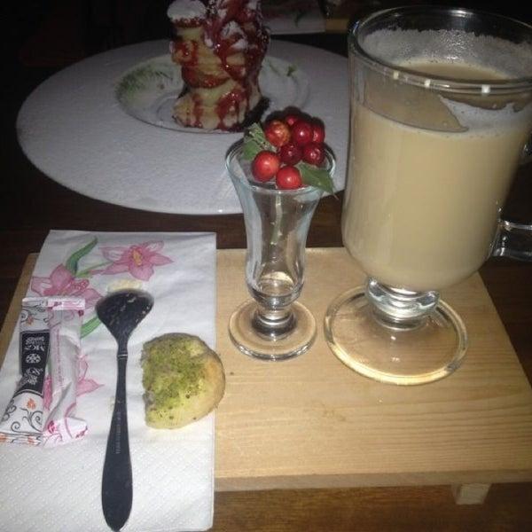 1/11/2013 tarihinde Pınar 🐞ziyaretçi tarafından Eat'n Joy'de çekilen fotoğraf