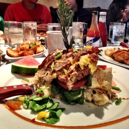 Photo taken at Hash House a Go Go by John E. on 12/8/2012