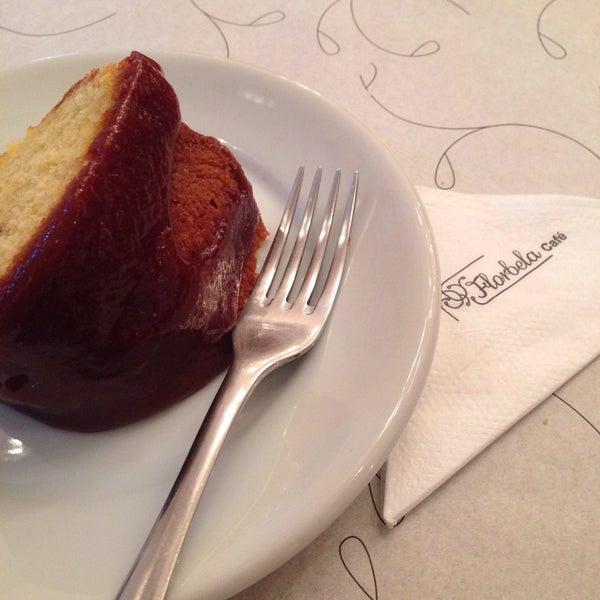 Foto tirada no(a) Florbela Café por Kleber P. em 10/10/2015