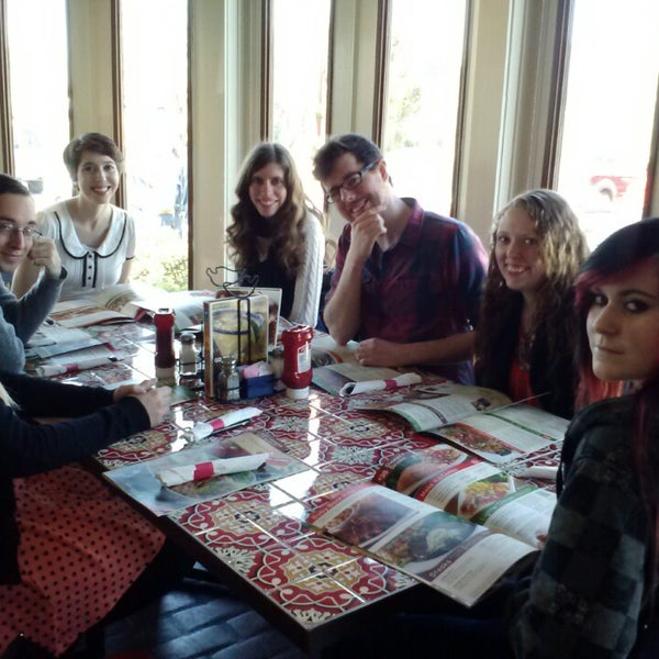 Photo taken at Chili's Grill & Bar by Rynette K. on 3/23/2014