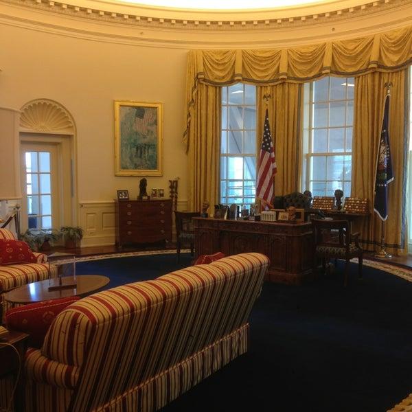 Foto tomada en William J. Clinton Presidential Center and Park por Justin H. el 9/6/2013
