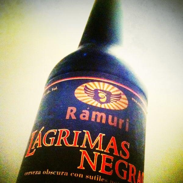 ¡Prueba Lágrimas Negras! De cervecería Rámuri (Los Cabos BC); una de las mejores cervezas mexicanas estilo Stout; tiene un cuerpo denso, cremoso, y marcado sabor a chocolate… ¡No te la puedes perder!