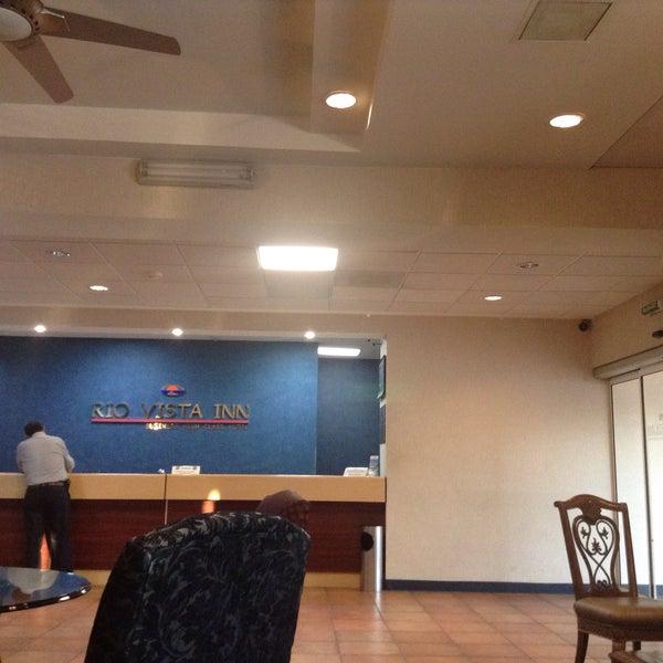 Foto tomada en Hotel Río Vista Inn por Thalia R. el 2/27/2017