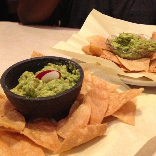 Foto tomada en Fiesta Martin Mexican Grill por Taneshia C. el 12/12/2012