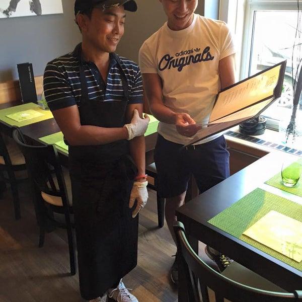 Das Foto wurde bei Vee's Bistro - Thai Food - Take away von Vee's Bistro - Thai Food - Take away am 7/3/2015 aufgenommen