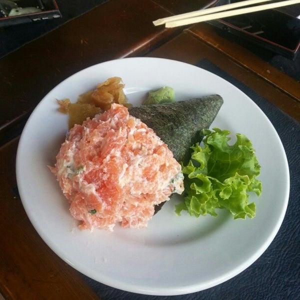 Foto tirada no(a) Hachi Japonese Food por Paulinho R. em 10/14/2012
