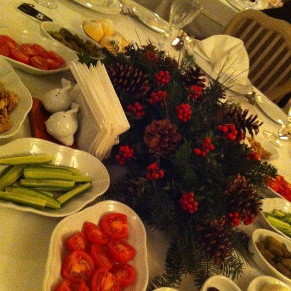 12/26/2012 tarihinde Nirv@n@ K.ziyaretçi tarafından Kalkan Balık Restaurant'de çekilen fotoğraf