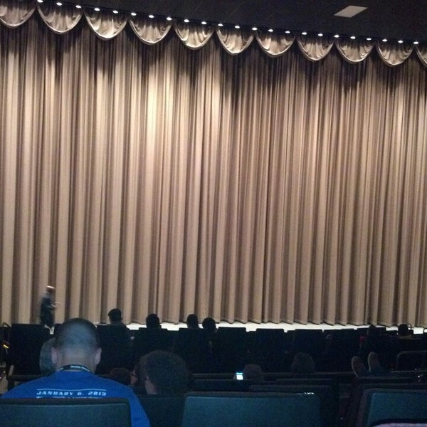 Photo taken at Harkins Theatres Tempe Marketplace 16 by Blas G. on 2/14/2013