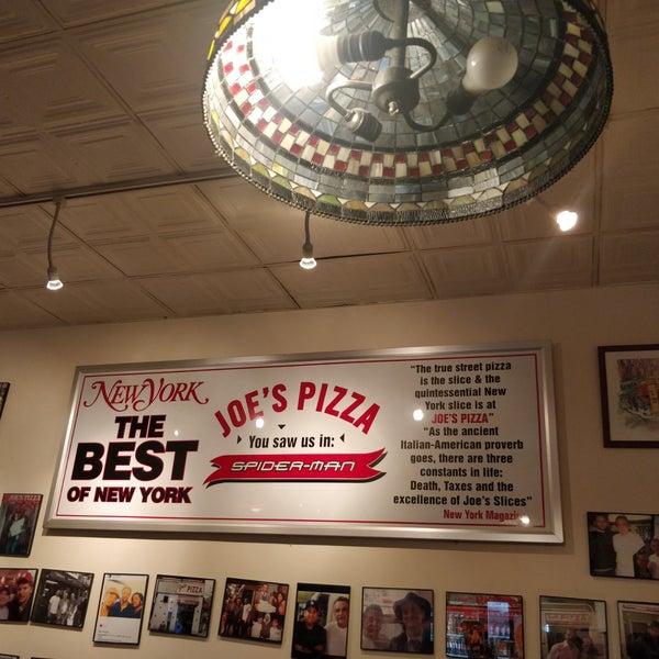 Foto tomada en Joe's Pizza por Michael H. el 8/29/2018