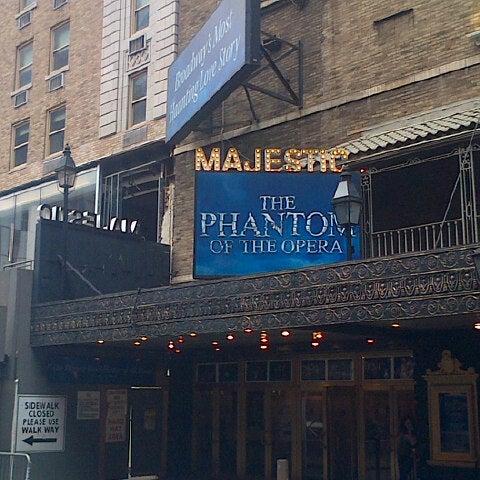 Foto tirada no(a) Majestic Theatre por Beth F. em 9/14/2013