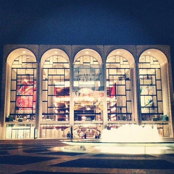 10/25/2012にQuyen C.がLincoln Center for the Performing Artsで撮った写真