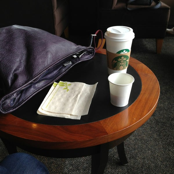 Photo taken at Starbucks Coffee ひたち野うしく店 by takky on 6/29/2013