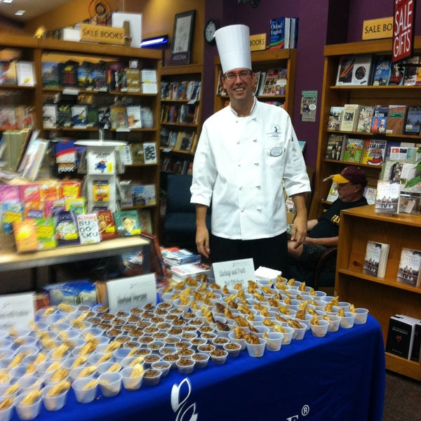 Photo taken at Changing Hands Bookstore by Michelle C. on 7/24/2013