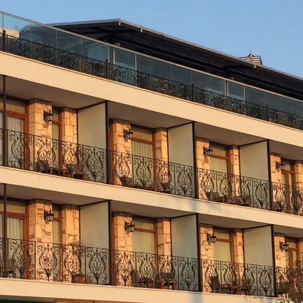 8/28/2016 tarihinde Maison Vourla Hotelziyaretçi tarafından Maison Vourla Hotel'de çekilen fotoğraf