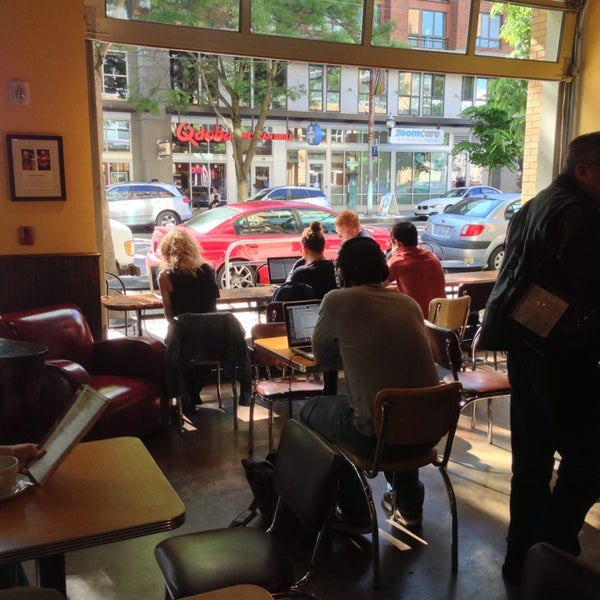 Photo taken at Espresso Vivace by Røbert A. on 6/2/2013