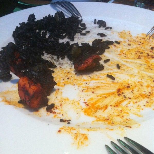 Снимок сделан в La Ocho Restaurante пользователем Miguel Angel F. 6/18/2014