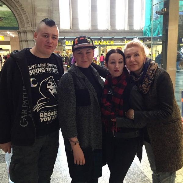 Das Foto wurde bei Promenaden Hauptbahnhof Leipzig von Игорь К. am 10/3/2016 aufgenommen