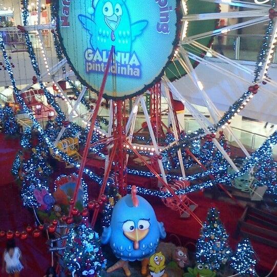 Foto tirada no(a) Via Parque Shopping por Ciça V. em 11/30/2012