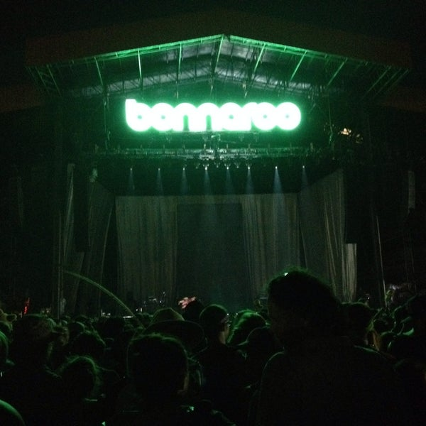 Photo taken at What Stage at Bonnaroo Music & Arts Festival by rob h. on 6/14/2014