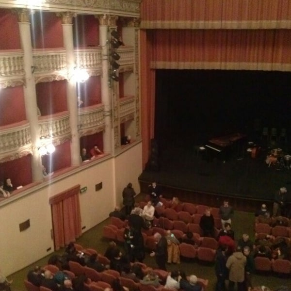 Das Foto wurde bei Teatro Metastasio von Edoardo S. am 3/3/2014 aufgenommen