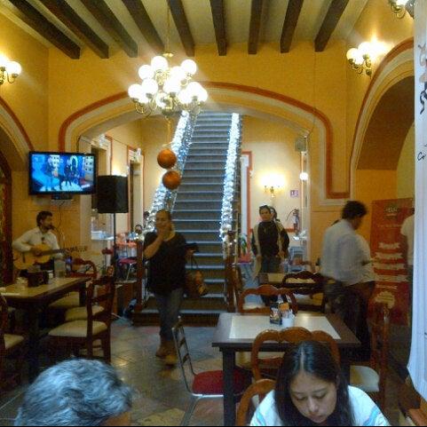 Foto tomada en Casa Real Poblana por Gemma E. el 11/15/2014