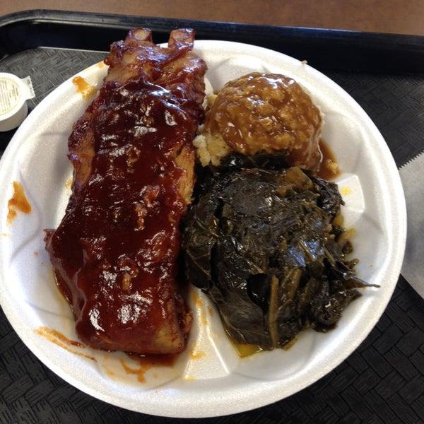 Photo taken at Nana's Soul Food Kitchen by Laura M. on 8/27/2014