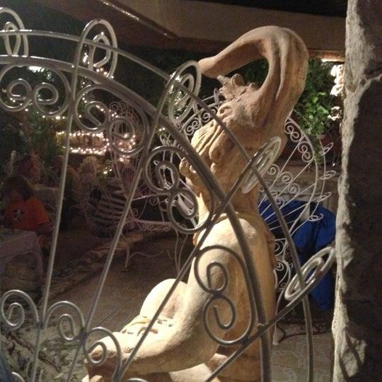 Foto tomada en La Habichuela por Stephanie C. el 11/22/2012