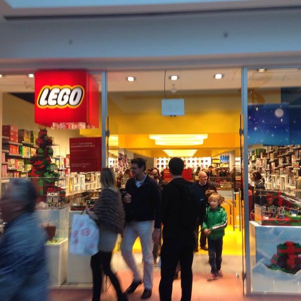 Photo taken at LEGO Store by Koen K. on 12/23/2014