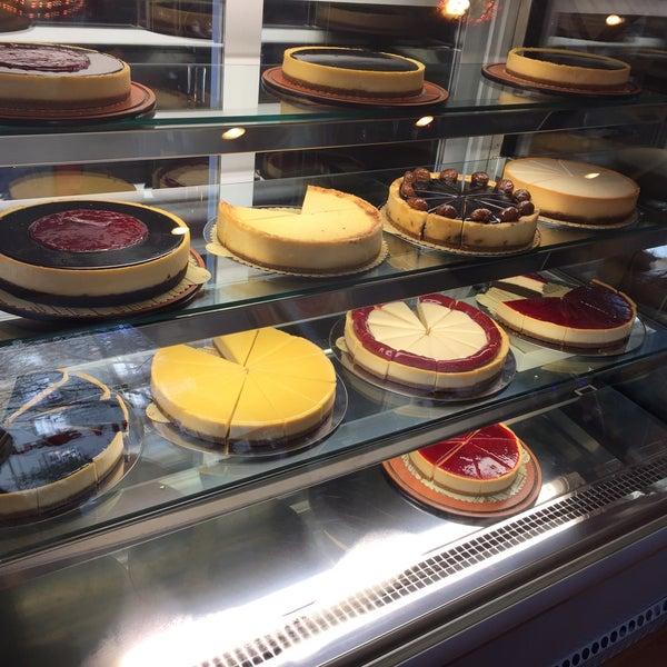 12/19/2015 tarihinde Esra Seda E.ziyaretçi tarafından Maria's Cheesecakes'de çekilen fotoğraf