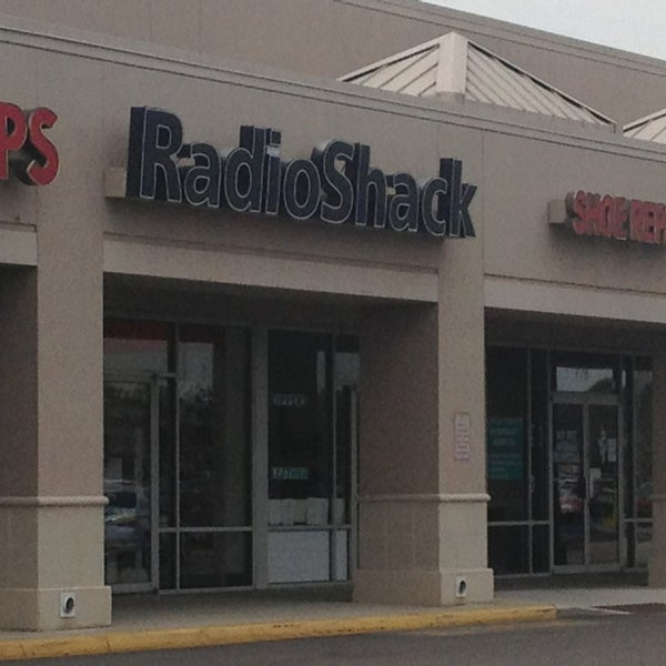 Radio Shack Stores: 1 Tip From 67 Visitors
