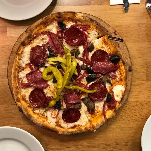 12/17/2017 tarihinde Sinan K.ziyaretçi tarafından All Eatalian ( Pizza - Bakery - Breakfast )'de çekilen fotoğraf