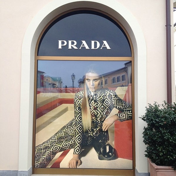 prada clothing store. Black Bedroom Furniture Sets. Home Design Ideas