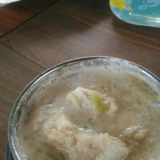 Photo taken at Cendol Bakar Simpang Ampat by Nur F. on 8/13/2016