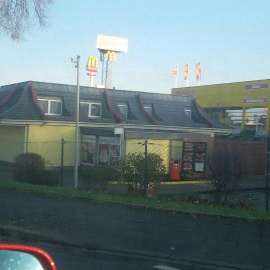 Das Foto wurde bei McDonald's von Gökhan A. am 11/27/2015 aufgenommen