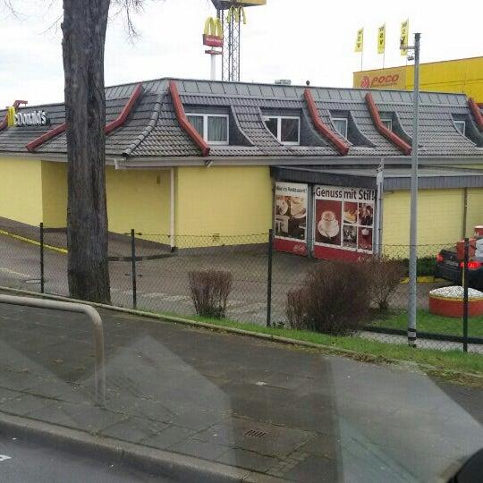 Das Foto wurde bei McDonald's von Gökhan A. am 1/27/2016 aufgenommen
