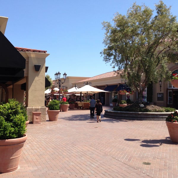 Photo taken at Fashion Island by Coats on 5/10/2013