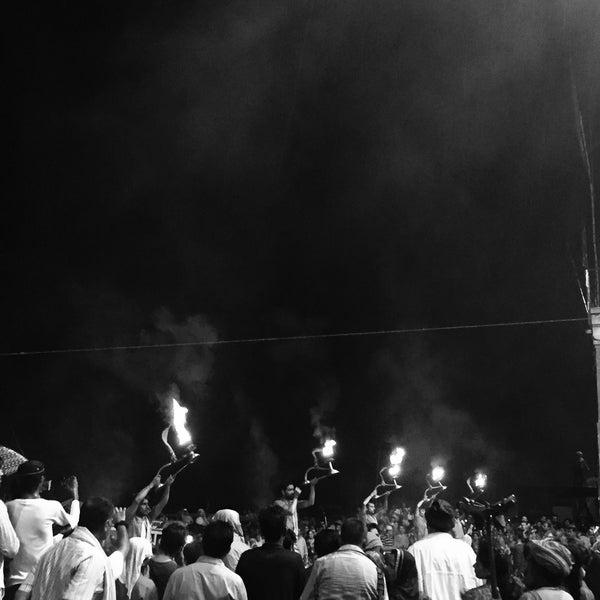 Photo taken at Dasaswamedh Ghat by 罷個 蘇. on 7/24/2017