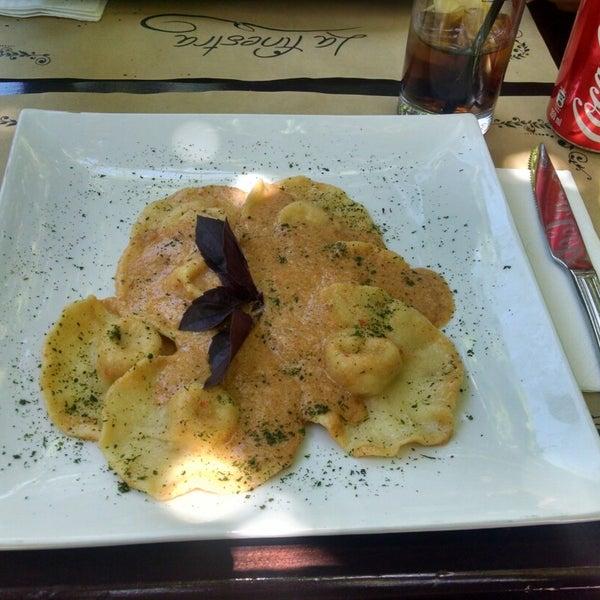 Quería hacer un tip hater, pero es imposible con La Finestra. Bien ubicado, hermoso local, deliciosa comida. Expensive? Yes. $$$$