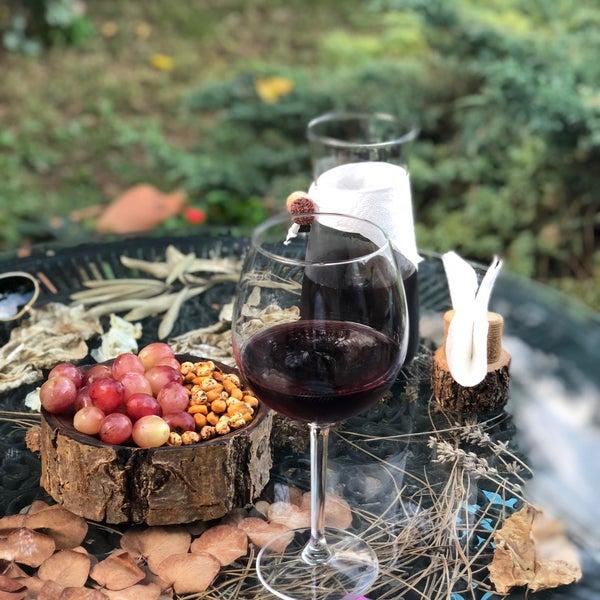 Lamin şarabına bayıldık..şirince sınırları içinde içebileceğiniz en güzel şarap.huzur dolu ortamında güler yüzlü işletme.tekrar geleceğiz:)