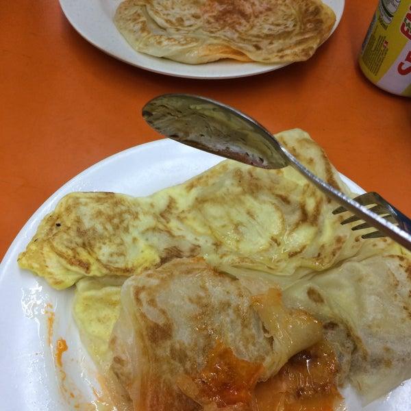 Photo taken at Thohirah Restaurant by Yirong on 5/28/2015