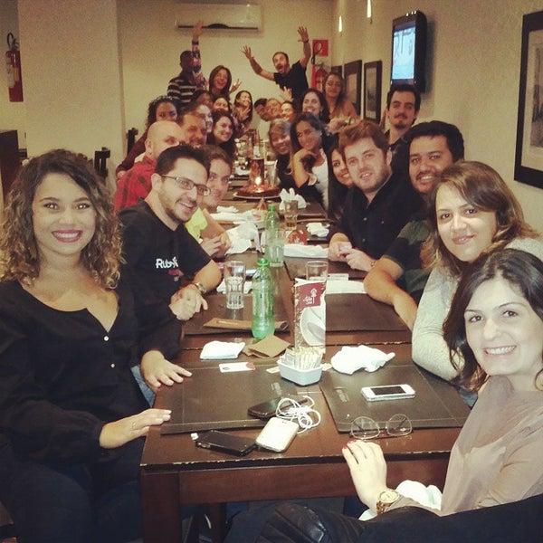 Foto tirada no(a) Paulinho's Grill por Paula R. em 12/5/2014
